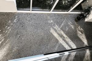 Støbning, slibning og polering af betongulv - KEA Hellerup - repos