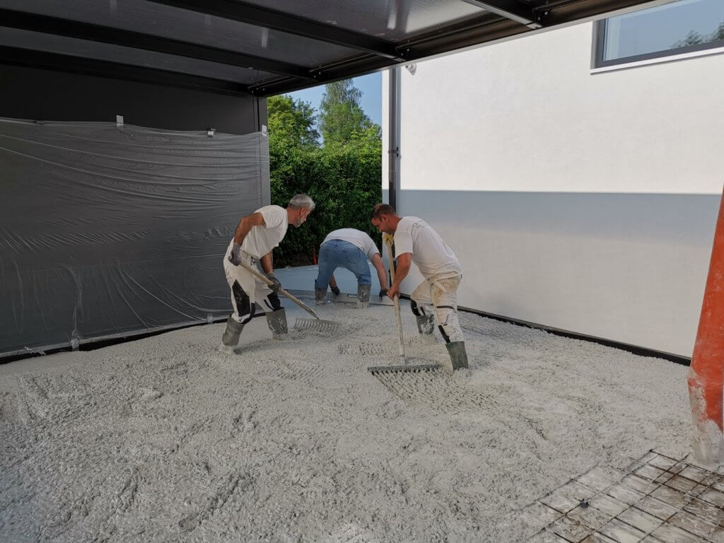 Stoebning af betongulv - lyst støbt betongulv