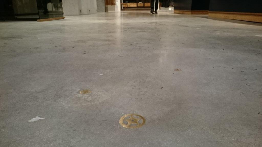 Caemento designgulv i aegte poleret beton – Caemento segl