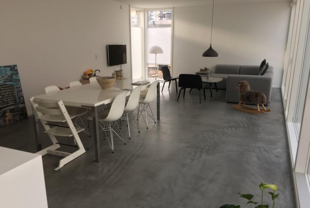 Poleret betongulv – Amager -Stue