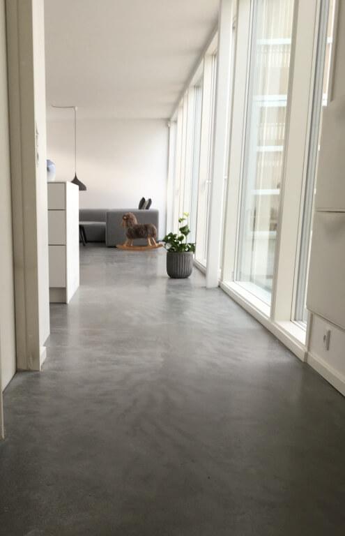 Poleret betongulv – Yards
