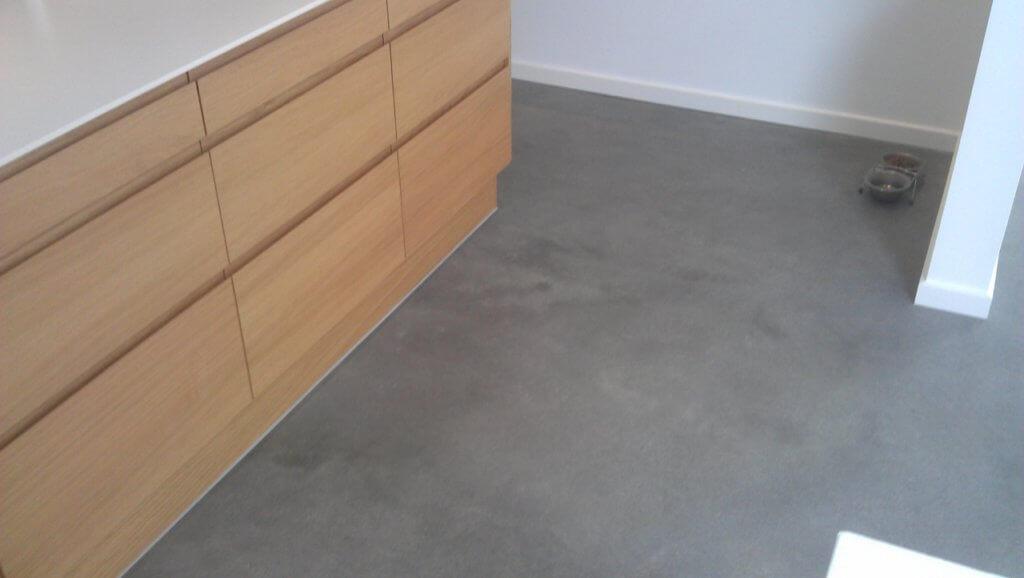 Poleret betongulv design i koekken