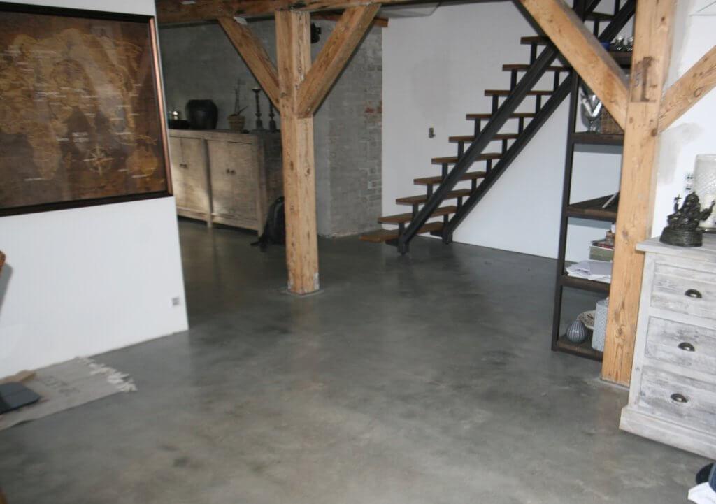 Poleret betongulv i penthouse