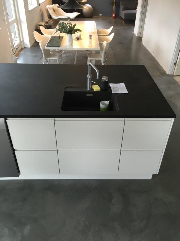 Poleret betongulv – køkkengulv