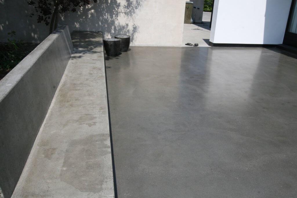 Poleret betongulv og poleret beton baenk