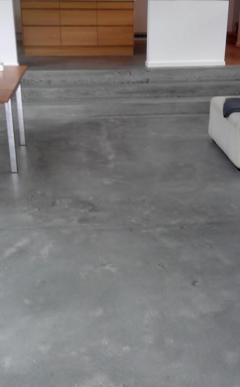 Poleret betongulv – trappe og koekken